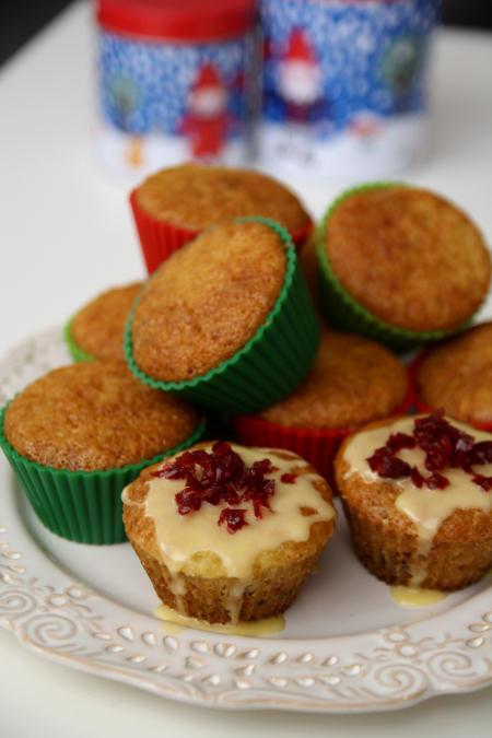 Pomarańczowe muffiny z żurawiną