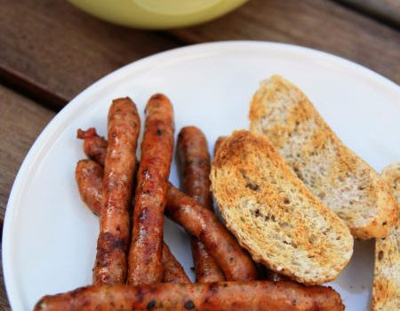 Kiełbaski z grilla w marynacie barbecue
