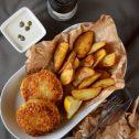 Kotlety rybno-ziemniaczane z sosem kaparowym