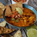 Wegańska meksykańska zupa soczewicowa