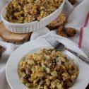 Zapiekanka 3 sery z pieczarkami i orzechową kruszonką