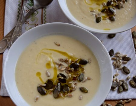 Zupa krem z selera z ziarnami