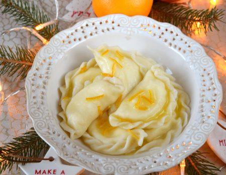 Pierogi z serem i polewą ze skórką pomarańczy