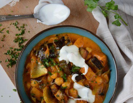 Wegańskie curry z pieczonymi warzywami