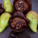 Czekoladowe muffinki z gruszką