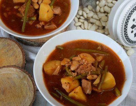 Gulasz wieprzowy z fasolką i ziemniakami