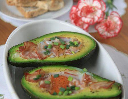 Jaja zapiekane w awokado