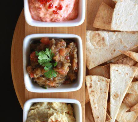 Hummus, kawior z bakłażana, dip paprykowy