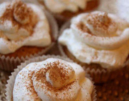 Muffinki cynamonowe z kremem