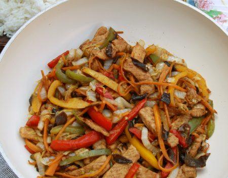 Schab z warzywami po chińsku