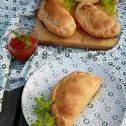 Calzone z papryką i salami