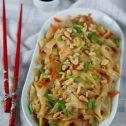 Chiński makaron z marchewką i porem